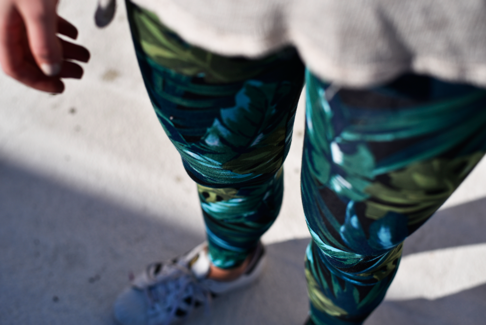 Jennie from the Blog jungle print leggings 4